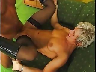 dominerande tysk blond