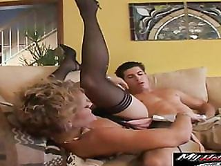 Kelly Leigh Is Wating For Some Sweet Pussy Pounding