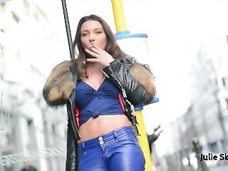 Julie Skyhigh Smoking (js)