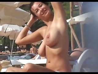Strand, Stort Bryst, Nøgen, Offentlig