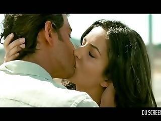 Steamy Kissing Scenes
