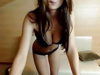 Explicit Sexy Girl And Sensual Expressions Front Of The Cam