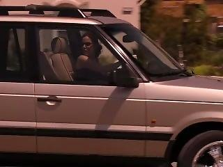 Mary Louise Parker (nancy)-sex On Car Bonnet In An Alley In Weeds S01e08