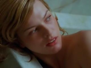 Milla Jovovich - Resident Evil 2b