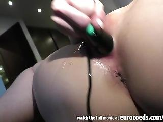 Kinky Naked Work Out Lexi Blow Strange Object Insertion Jump Rope Pussy