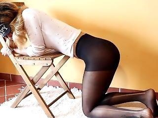 Tinder Prostitute Get Tied Up Nd Pissed Over By Stranger