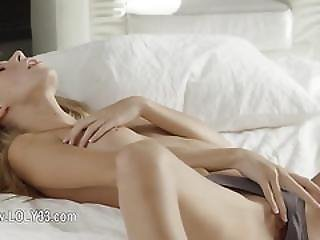 Perfect Erotic Movie Of Teenie Model