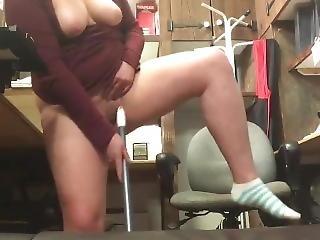 cul, au travail, bonasse, gros cul, hardcore, chaude, masturbation, publique, solo, jet de mouille, jouets