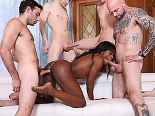 ベビー, ブルネット, ディープスロート, 陰茎, 漆黒の, ファッキング, 乱交, 手淫, 異人種間の, オーラル, オージー, 荒っぽい, セクシー, 吸う, 白い