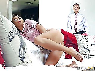 Keiran Lee Rams His Large Pecker Into Jill Kassidy