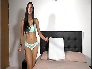 Mollya Wet Cute Chat Naked