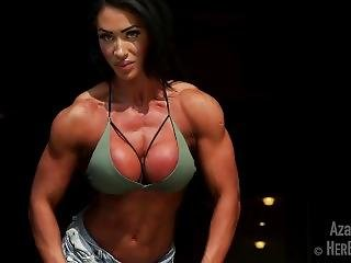 Hot Muscular Girl Flexing