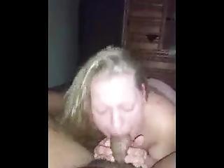 amatør, blowjob, sædshot, tissemand, handjob, milf, gammel, små bryster, sutter, hvid