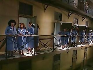 Etreinte A La Prison De Femmes