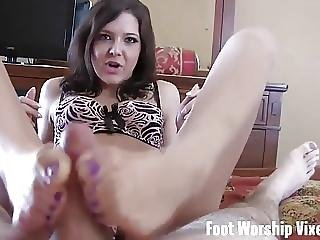 I Want To Nibble On My Roommates Sexy Little Toes