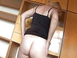 Hungarian Mother Tunde Jennyfer Fucked By Young Dude