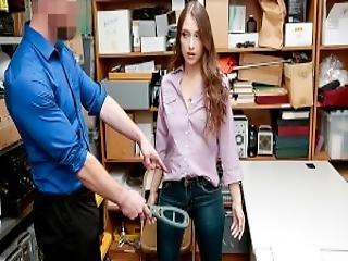 Shoplyfter Thief Sucks Security Guards Cock