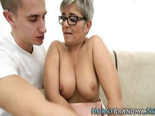 cumshot, knulling, briller, bestemor, hardcore, voksent, tattovering