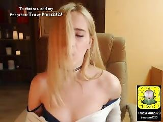 Sexy Webcam Girl With An Amazing Ass