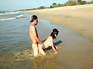 Sexo Amig S Y Playa. Que Puede Salir Mal