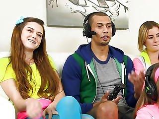 Cfnm Gamer Women Sharing The One Hard Dong