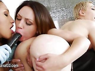 Ultra Sleek Babe Love Toy In Her Ass