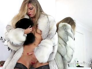 Victoria - A True Fur Fetish Dream Goddess