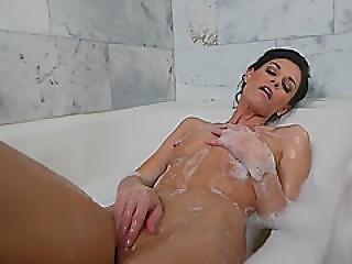 Sexy Brunette Mama Hot Bathtub Session Voyeurism Fat Cock Guy