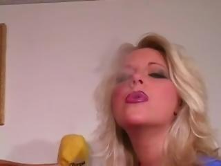 μεγάλο βυζί, ξανθιά, αγγλικό, ώριμη, Milf, κάπνισμα, λευκό