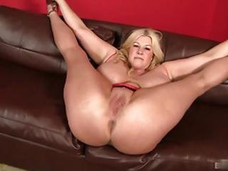 Zoey Andrews Is A Ratchet Whore That Loves Getting Her Huge Body Fucked