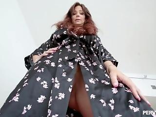 Pervmom - Syren De Mer - Stepmom Facesitting