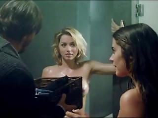 Ana De Armas - Lorenza Izzo - Knock Knock - 2