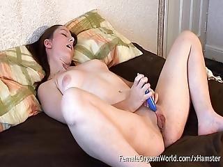 Honey Masturbates Her Huge Pussy Lips To Pulsing Orgasm