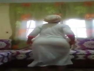 Moroccan Girl Dance