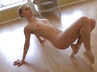 Luci From Dates25.com - Ballerina Dancing