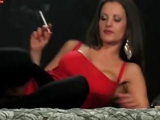 Sexy Smoking Valentina
