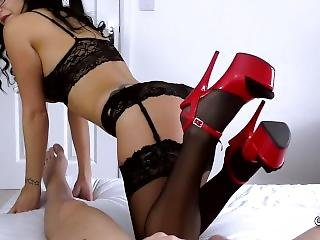 Hot Girlfriends Gives Amazing Blowjob In Lace Lingerie And Red High Heels