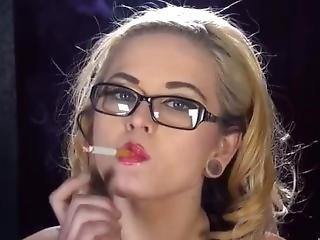 Smoking Dolly Valentine