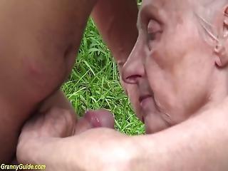 stor pupp, bestemor, utenførs