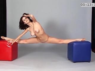 Scarlet Lookalike Nude Stretching