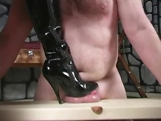 Mistress Vixen Crushes Slaves Balls