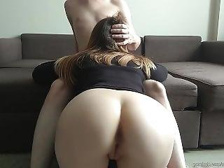 Blowjob From Teen With Sexy Ass