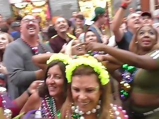 Big Titty Chick Love Showing The Tits For Beads