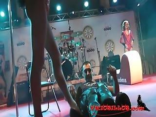 Rastia Bidet Acrobatic Show With Kevin Diamond And Turbo Leon On Stage By Viciosillos.com