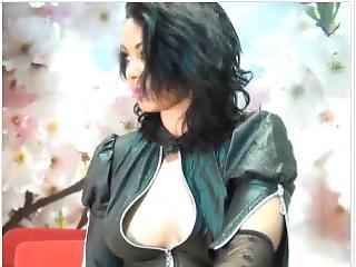 Nice Latina Smoking Cam