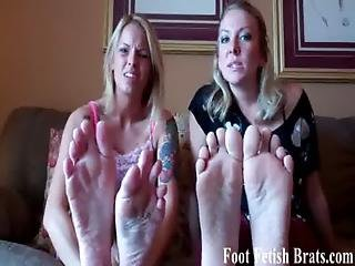 We Are Your Roommates So Its Ok If You Jerk Off To Our Feet