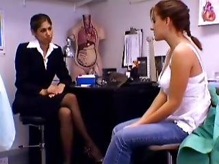 Patient Seduces Her Therapist