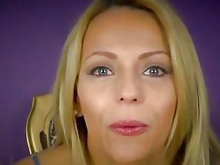 Blondi, Sperma, Spermannielentä, Femdom, Alusvaatteet, Nieleminen