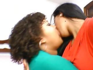 Beautiful Bbw Kissing Thin Lesbian