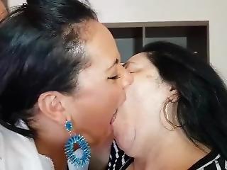 Lesbian Brazil Kiss